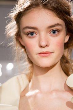 Todas las tendencias de maquillaje de la primavera 2016 -Piel de novia