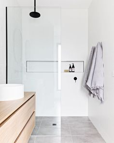 Mini bathroom tour of project Murphy Street's Master Ensuite. When designing and styling this bathroom there were a few key things I… Bathroom Renos, Laundry In Bathroom, Small Bathroom, Master Bathroom, Minimal Bathroom, Ensuite Bathrooms, Bathroom Plants, Washroom, Bathroom Renovations