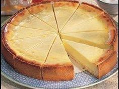 ¡Que rico pay! Easy Cheesecake Recipes, Pie Recipes, Mexican Food Recipes, Sweet Recipes, Dessert Recipes, Cooking Recipes, Vegan Cake, Cookie Desserts, Chocolates