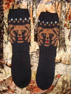 Villasukat Knitting Socks, Craft Ideas, Diy Crafts, Christmas, Fashion, Knit Socks, Xmas, Moda, Fashion Styles