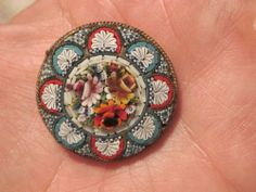 BEAUTIFUL VINTAGE MADE IN ITALY MICRO MOSAIC BROOCH