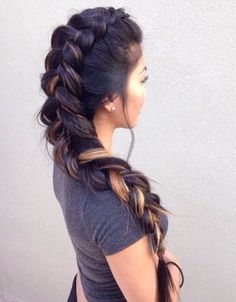 Love that hairstyle