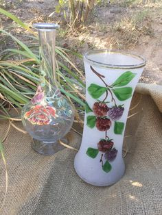 French vintage Enamel carafe with flowers and vase, handmade and mouth blowned de la boutique VintagedeFrance sur Etsy