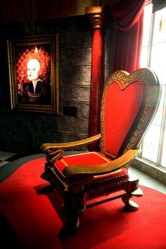 Alice Exhibition - The Throne by ~AliceInWonderland