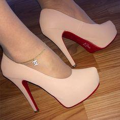 Sapato meia pata estilo Louboutin salto 13 cm meia pata 2,5cm, ideal para qualquer ocasião elegante e confortavel