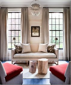 A Greenwich, CT home decorated by interior design personality Thom Filicia. A home filled with lots of texture and decorated in an eclectic but traditional style. - home me Home Living Room, Living Room Decor, Living Spaces, Country Stil, Decoration Inspiration, Decor Ideas, Home And Deco, Living Room Inspiration, Home Fashion