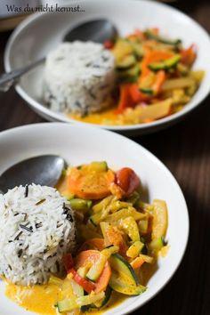 Einfach, lecker und alltagstauglich. So sollten idealerweise die meisten Rezepte für den abendlichen Hausgebrauch sein. Dieses Gemüse-Curry ist genau das!