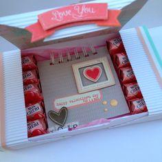 Mini album con caja de bombones con la colección de Crate Paper