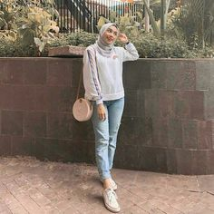 Trendy Ideas for style hijab casual pantai – Hijab Fashion 2020 Modern Hijab Fashion, Street Hijab Fashion, Hijab Fashion Inspiration, Look Fashion, Muslim Fashion, Fashion 2020, Runway Fashion, Trendy Fashion, Fashion Beauty