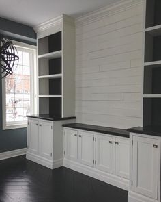 What is shiplap? Shiplap is sort of rustic, sort of raw and sort of looks like it should be installed outside rather than in. So it makes perfect sense, at a time when sliding barn doors are all the rage, that shiplap is a hot choice for cladding interior walls and ceilings. But what is shiplap? How can you spot it and where might you use it? #homeentertainmentinstallation