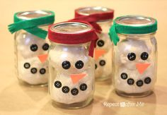 Mason Jar Playdough Snowmen - These would make a great DIY gift for the holidays!