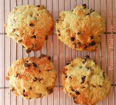 patternpatisserie: Rock Cakes - simple, sweet and quick :) Pastry Recipes, Baking Recipes, Cookie Recipes, Dessert Recipes, Scone Recipes, Baking Desserts, Pudding Recipes, Bread Recipes, Brownies