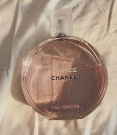 Beige Aesthetic, Aesthetic Girl, Pink Perfume, Perfume Bottles, Chance Chanel, Princess Aesthetic, Parfum Spray, Body Spray, Smell Good