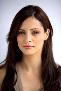 Mine Tugay, actriz turca. Hermosa!