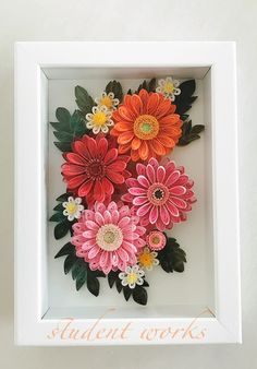 Paper Quilling Cards, Paper Quilling Flowers, Quilling Work, Paper Quilling Patterns, Mom Drawing, Paper Art, Paper Crafts, Flower Frame, Flower Making
