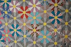 EYE-CATCHING-Vintage-40-039-s-Wagon-Wheel-Kaleidoscope-Antique-Quilt-GREAT-COLORS