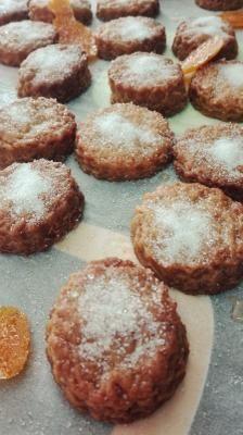 Tortas de Miel | Cocina Murcia, Pretzel Bites, Biscuits, Vegetarian Recipes, Sweets, Bread, Cookies, Chocolate, Breakfast