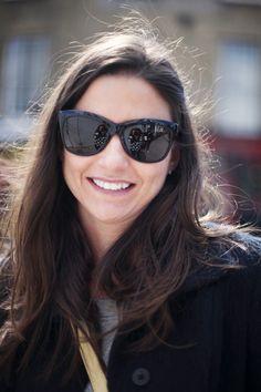 ad9469f94a Fotos de street style en Portobello Londres: gafas de sol de Oliver Peoples