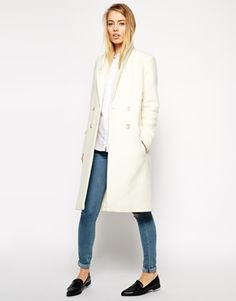 Winter Style Ideas. Winter Fashion and Winter Outfit Ideas. White Wool Coat.