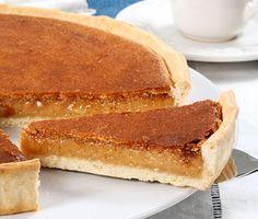 Tarte de Sintra Kinds Of Desserts, Cookie Desserts, Sweet Desserts, Tart Recipes, Sweet Recipes, Dessert Recipes, Portuguese Desserts, Portuguese Recipes, Portuguese Food