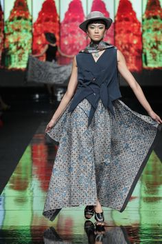 Galeri Batik Jawa #Indonesian #Indonesianfashion #style http://livestream.com/livestreamasia More