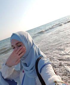 Stylish Hijab, Modest Fashion Hijab, Modern Hijab Fashion, Muslim Women Fashion, Beautiful Muslim Women, Beautiful Hijab, Hijabi Girl, Girl Hijab, Cool Girl Pictures