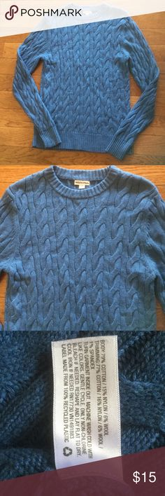 """Merona men's Sweater New no tags size S Sweater. Measurements taken laying flat: bust 18"""", length - 28"""". From smoke free home. Make me an offer Merona Sweaters"""