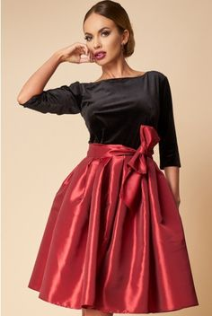 RochIe Catifea si Tafta Visinie Waist Skirt, High Waisted Skirt, Apostolic Fashion, Skirts, Red, Fashion Trends, Outfits, Party, Vestidos