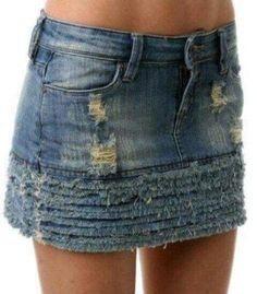 Love the fringe but I would make it a knee length skirt. Recycled Dress, Recycled Denim, Short Jean Skirt, Denim Ideas, Clothing Hacks, Diy Dress, Denim Fashion, Denim Skirt, Shorts