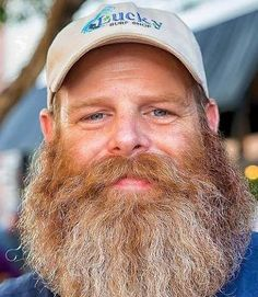 Red Beard, Ginger Beard, Hairy Men, Bearded Men, Beard Pictures, Love Your Smile, Laugh Lines, Long Beards, Epic Beard