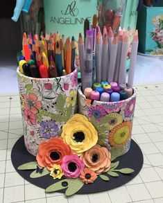 Cool Paper Crafts, Toilet Paper Roll Crafts, Fun Crafts, Diy And Crafts, Crafts For Kids, Arts And Crafts, Aluminum Can Crafts, Tin Can Crafts, Crafts To Make And Sell