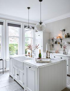 A Stunning Oak Kitchen In A Copenhagen Home - Modernatty [dot] com Small Modern Kitchens, Modern Kitchen Design, Interior Design Kitchen, Kitchen Paint, Home Decor Kitchen, Home Kitchens, Country Kitchen, Layout Design, Chichester