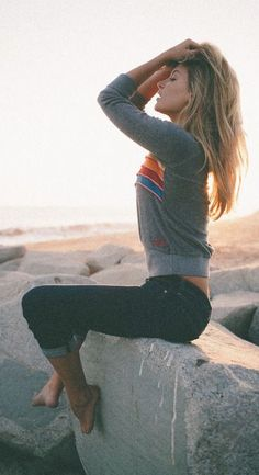 #street #style / casual knit// In need of a detox? 10% off using our discount code 'Pin10' at www.ThinTea.com.au