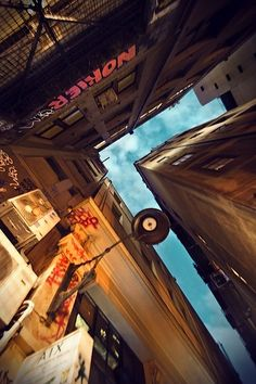Sky Towering Skyscrapers by Eva Bouvard – Photography (11 Pictures) > Design und so, Film-/ Fotokunst, Streetstyle, urban art > oz, paris, photography, skyscrapers, sydney