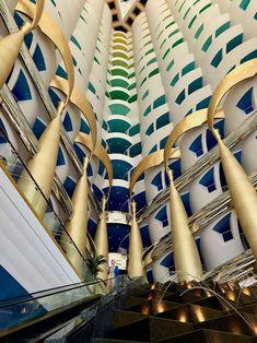 På innsiden av det mest luksuriøse hotellet i verden: Innsjekking på Burj Al Arab - Rundtekvator