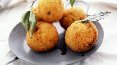 Knusprige Reisbällchen auf italienische Art