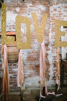If there is one thing I always wanted in a wedding, it would be the pink and gold color scheme. Pink and gold wedding colors make for a glamorous and romantic Gold Wedding Colors, Pink And Gold Wedding, Blush And Gold, Glitter Party, Glitter Wedding, Gold Party, Gold Glitter, Glitter Letters, Diy Wedding Backdrop
