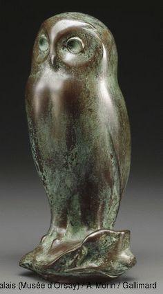 François Pompon (1855-1933)  Owl  1923  Bronze  H. 19; W. 8,5; D. 8,2 cm  Paris, Musée d'Orsay  Bequest of Pompon, 1933  © RMN (Musée d'Orsay) / A. Morin / Gallimard
