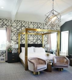 WOW! Such an incredible bedroom. The Kensington Bed is some kind of amazing. #bedroom #homedecor #interiordesign #tinamarieclark #wallpaper #bed #decor #interior #highfashionhome http://www.highfashionhome.com/kensington-king-canopy-bed.html