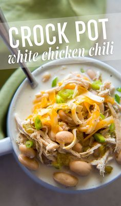 This is the best crock pot white chicken chili recipe that you'll find! The flavor is increcible and you can make it in your slow cooker! Cooker Recipes, Crockpot Recipes, Soup Recipes, Chicken Recipes, Dinner Recipes, Healthy Recipes, Freezer Recipes, Drink Recipes, Creamy White Chicken Chili