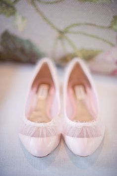 Pretty pink shoes ~ from Badgley Mischka, Photography by harwellphotography.com