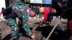 Riki Enumbi : Kehadiran Prajurit TNI Bantu Masyarakat Papua:http://www.intriktimes.com/http:/www.intriktimes.com/topik/intriktimes/riki-enumbi-kehadiran-prajurit-tni-bantu-masyarakat-papua/