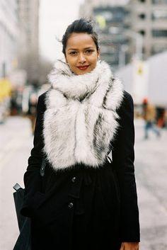 Fur scarf New York fashion Week AW 2013 - Vanessa Jackman Fur Fashion, Fashion Week, New York Fashion, Womens Fashion, Retro Fashion, Fashion Models, Style Fashion, Fashion Trends, Winter Looks