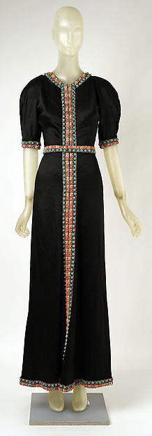 Evening dress Designer: Madeleine Vionnet (French, Chilleurs-aux-Bois 1876–1975 Paris) Date: 1930s Culture: French Medium: silk
