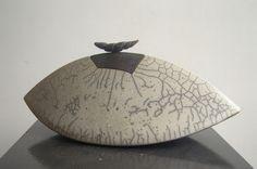 Doosje, keramiek/raku - Lei Hannen - Sculptures - Artist - Dutch Artist - ceramics - Art - brass