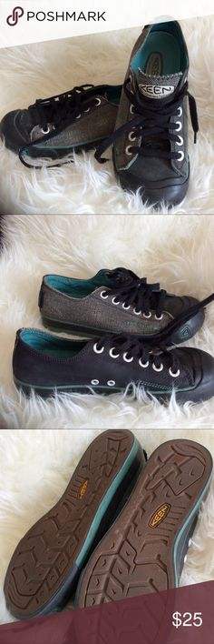 Size 7 Keen casual black and gray lace up shoes GUC. Same great construction as Keen sandals in a casual shoes. Super cute. Nature Hippie Mountain Girl style. Keen Shoes