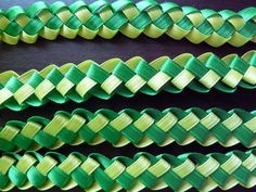 DIY Weaved Ribbon Lei (Use two spools 30 ft in and you might be able to get 2 long leis. Money Lei, Money Origami, Ribbon Lei, Diy Ribbon, Ribbon Crafts, Ribbon Storage, Diy Arts And Crafts, Crafts To Do, Grad Gifts