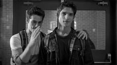 Scott And Stiles, Dylan O'brien, Teen Wolf, Che Guevara, Actors, Couple Photos, Fictional Characters, Couple Shots