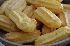 Eclere cu crema de vanilie - Rețete Papa Bun Hot Dogs, Cucumber, Sausage, Deserts, Ethnic Recipes, Food, Sausages, Essen, Postres
