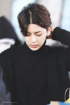 iKON - 송윤형 / Song YunHyeong (Kim Donghyuk - Kim JinHwan - Bobby / Kim JiWon - B.I / Kim HanBin - JuNe / Koo JunHoe - Jung ChanWoo)